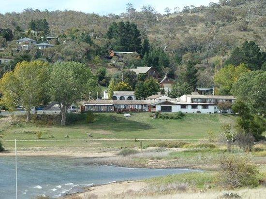 Siesta Villa Motel: View from next hill