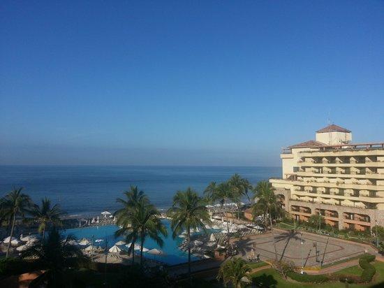 CasaMagna Marriott Puerto Vallarta Resort & Spa: blue sky