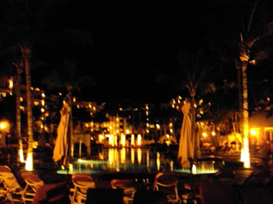 Pueblo Bonito Rose: NIght time view
