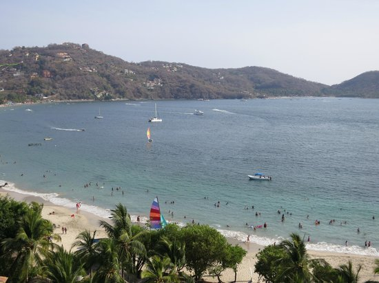 Embarc Zihuatanejo: View of beach from room