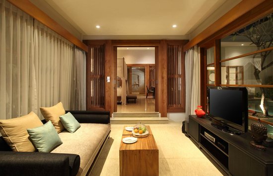 The Samaya Bali Seminyak: Living room at Pool Villa