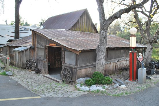 49er RV Ranch: The barn