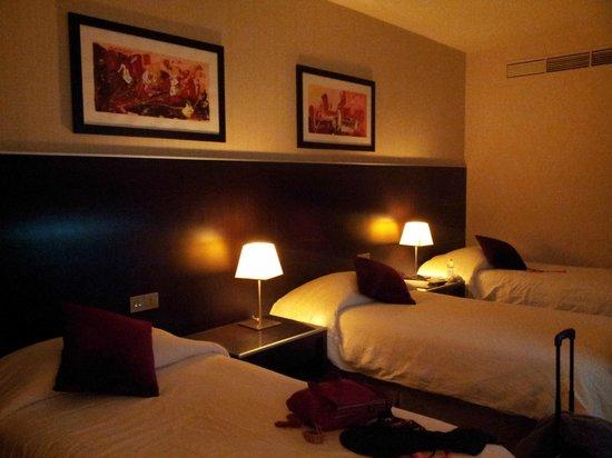 Majlis GRAND MERCURE Madina: 1 kamar untuk 3 orang