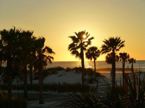 Beachwalk Inn: Sunset again