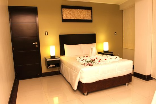 Laurent's Deluxe Hotel