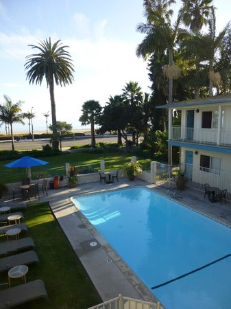 Cabrillo Inn at the Beach: Pool area