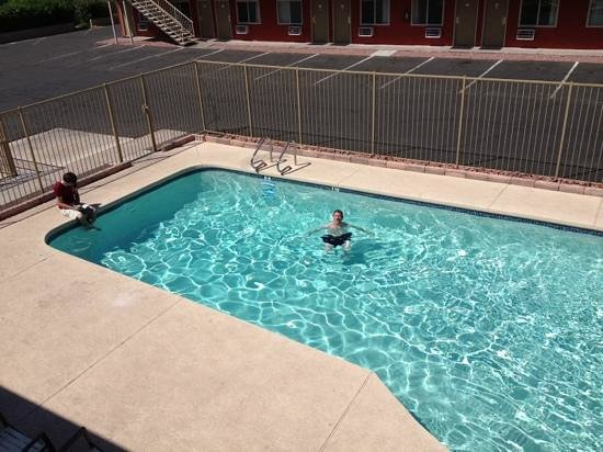 Stay Suites of America: the pool.