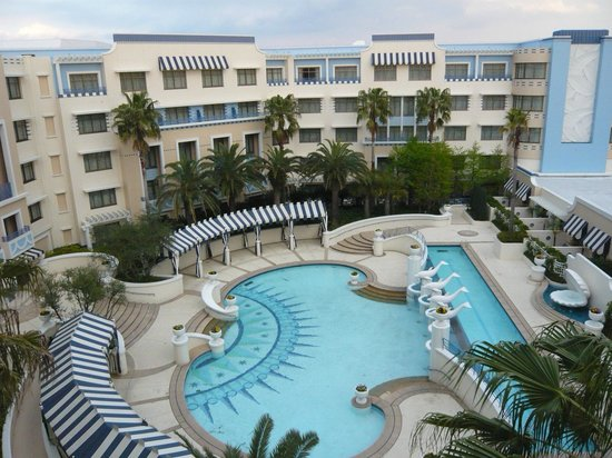 プールサイド picture of disney ambassador hotel maihama tripadvisor