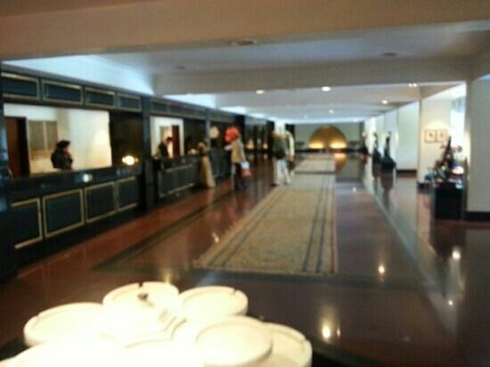 The Oberoi, New Delhi: lobby