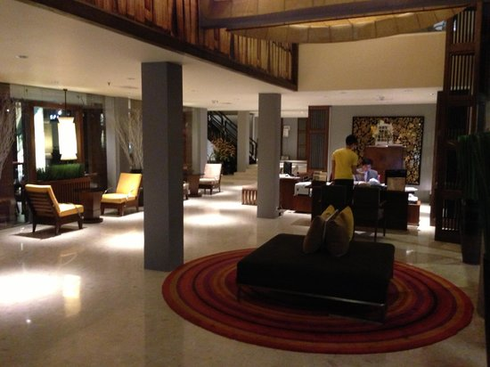 Triple Two Silom: Lobby Area -2