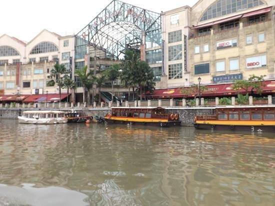 Somerset Liang Court Singapore: clarke quay