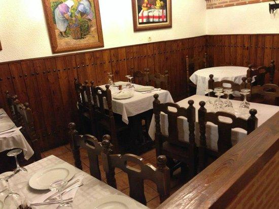 Meson El Corralillo : Bodega restaurada y convertida en restaurante - Parte de arriba