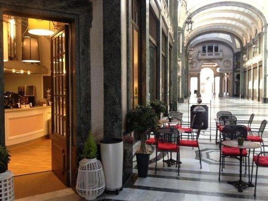 Ristorante La Credenza Galleria San Federico : Fiorfood è il ristorante che recensisco non so perchè compare