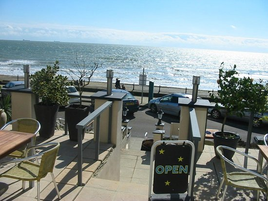 legends sandown dining by the sea