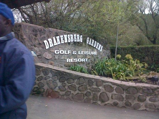 Gooderson Drakensberg Gardens Golf & Spa Resort: Entrance