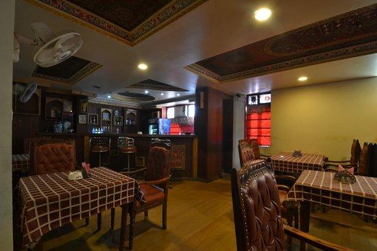 Hotel Royal Sheraton : Bar Area