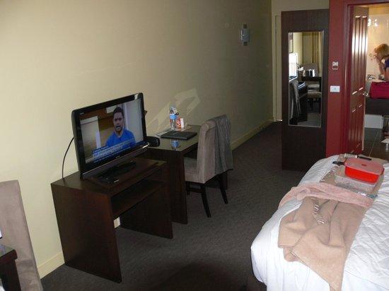 Comfort Inn & Suites City Views : Room Interior