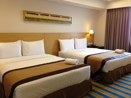 Luxent Hotel: Twin beds (2 queen)