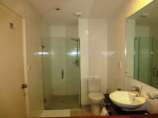 Tanoa International Hotel : Tanoa bathroom