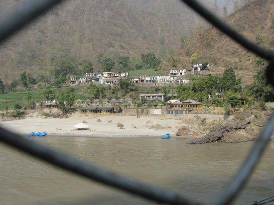 VNA Resort & Camp: full view from bridge