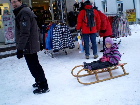 Hotel Klosterbräu: Johann taking Caroline for a sleigh ride in Seefeld after Christmas lunch at Hotel Klosterbaeu S