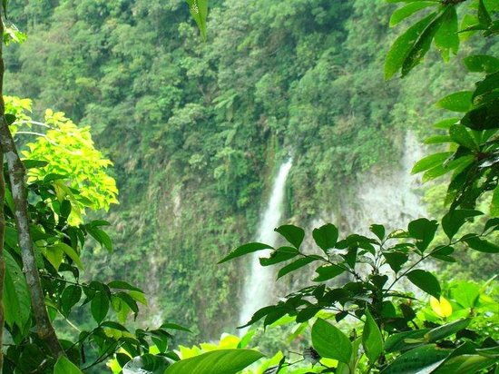 Leyte Island, Filipina: guinaniban falls.....