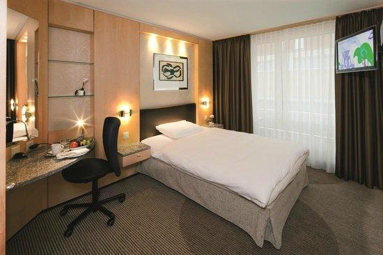 Movenpick Hotel Zurich Regensdorf: Classic Zimmer