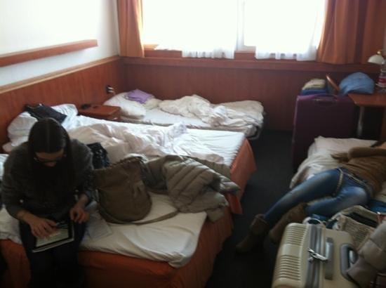 Olympik Hotel Prague: 4 persone infilate in una doppia