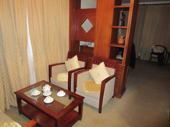 Palace Hotel: sitzecke im Zimmer