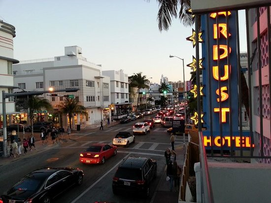 Stardust Apartments : Collins Av. dal nostro balcone