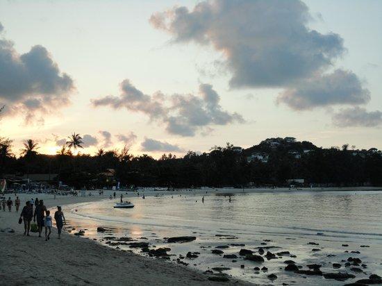 Baan Jasmin Village: Sunset @ beach