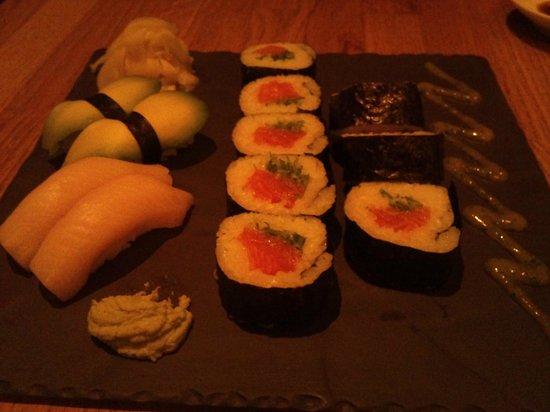 Ra Sushi & Bar : Sushi!