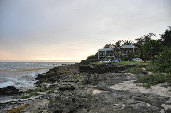Ocean Spray Beach Apartments: al tramonto