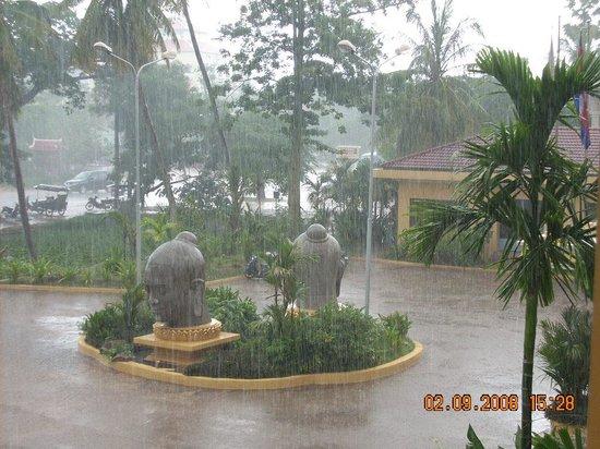 Angkor Hotel : my last trip,but no change