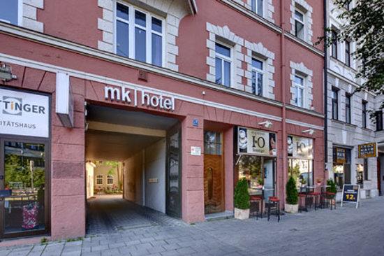mk hotel münchen: Eingang zum Innenhof