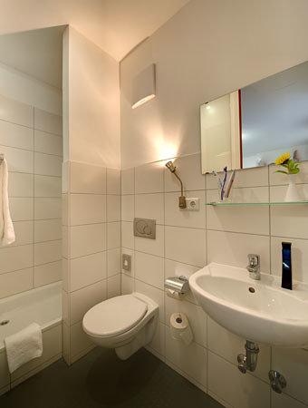 mk hotel münchen: Badezimmer