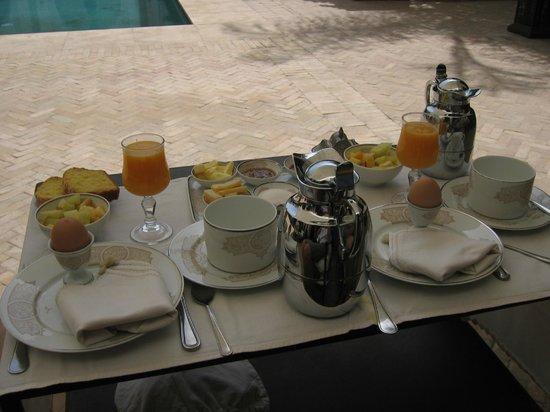 La Villa des Orangers - Hôtel: un petit déjeuner extraordinaire