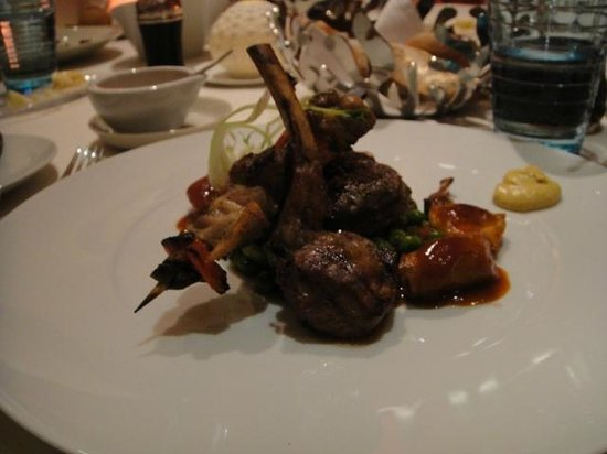 Prime : Trio of lamb, beef and chicken