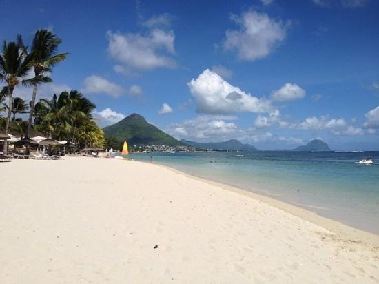 Sugar Beach Golf & Spa Resort : beautiful beach.