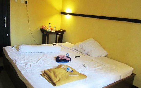CT 1 @ Tuban Hotel: king bed room