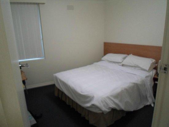 Albert Heights Serviced Apartments: Bedroom