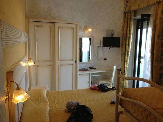 Hotel Diplomat Palace: camera foto 2