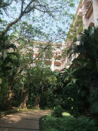 The Leela Palace Bengaluru: view of my room from ground level