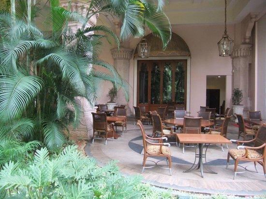 The Leela Palace Bengaluru: Restaurant