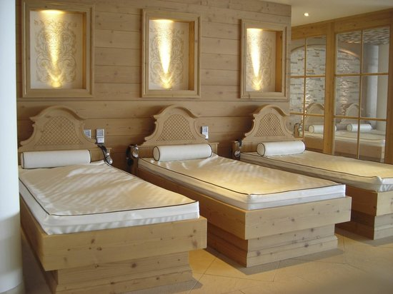 Alpin Lodge Das Zillergrund: Ruhebereich im Schwimmbad