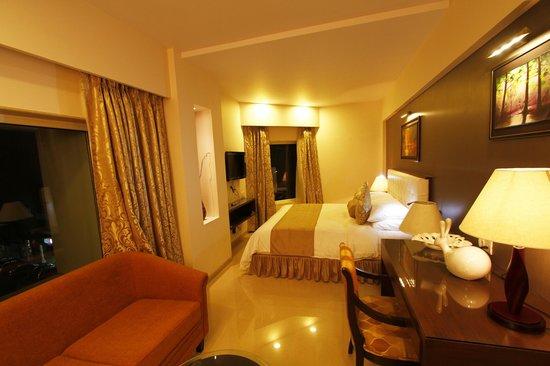 Hotel La Capitol: Suite Room