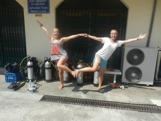RNR Eco Adventures Pool Villa Resort & Hostel : Getting ready to dive!