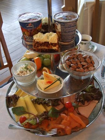Ammende Villa : Breakfast selection