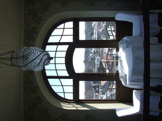 Ammende Villa: Tower Dining