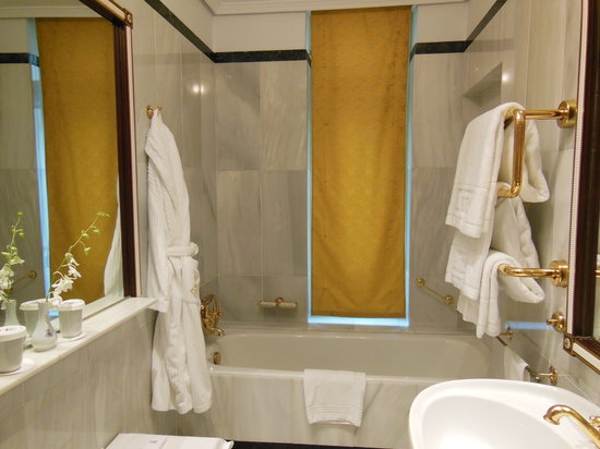 Hotel Ritz, Madrid: バスまわり